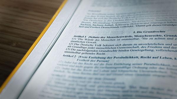 """Unterzeichnung der Bundestagspetition zur """"Ablehnung des Gesetzentwurfs zur Verankerung der Kinderrechte im Grundgesetz"""" erfolgreich abgeschlossen"""