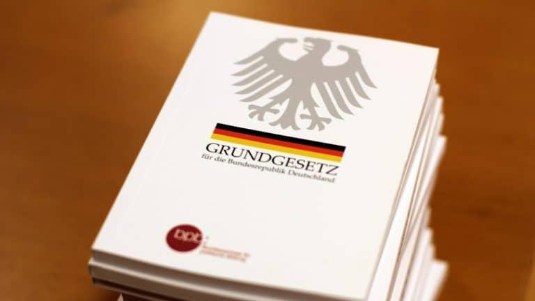 """Zwei Petitionen beim Bundestag mischen Familienpolitik auf - Bündnis """"Rettet die Familie"""" ruft zur Mitzeichnung auf"""